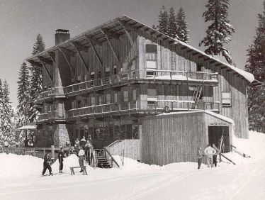 Sugar Bowl Ski Lodge, Sierra Nevada Mountains (1939). Courtesy of Wikimedia Commons.