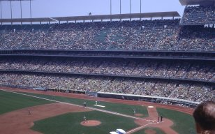 Dodger Stadium-1967 (Wikimedia Commons)