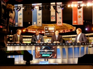 Mel Kiper, Jr., Keyshawn Johnson, Steve Young, and Chris Berman discuss players at the 2009 draft. (Wikimedia Commons)