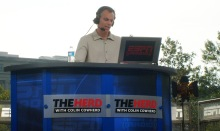 """Colin Cowherd hosting """"The Herd."""" Courtesy of Wikimedia Commons."""
