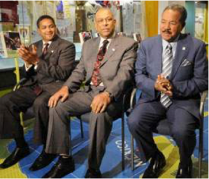 Roberto Clemente Jr., Orlando Cepeda, and Juan Marichal (left to right) participated in the opening ceremony of ¡Viva Baseball! Source: Latinosports.com
